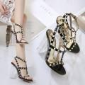 Nieten Sandaletten schwarz